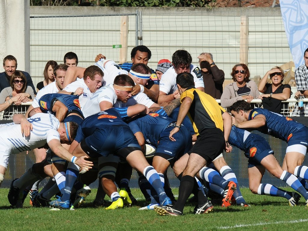Mauling on: Castres