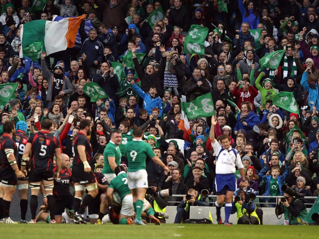 Happy fans as Ireland rack up the tries