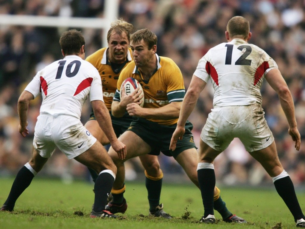 It was much tighter at Twickenham later that year but Chris Latham scored in a 21-19 Wallaby win