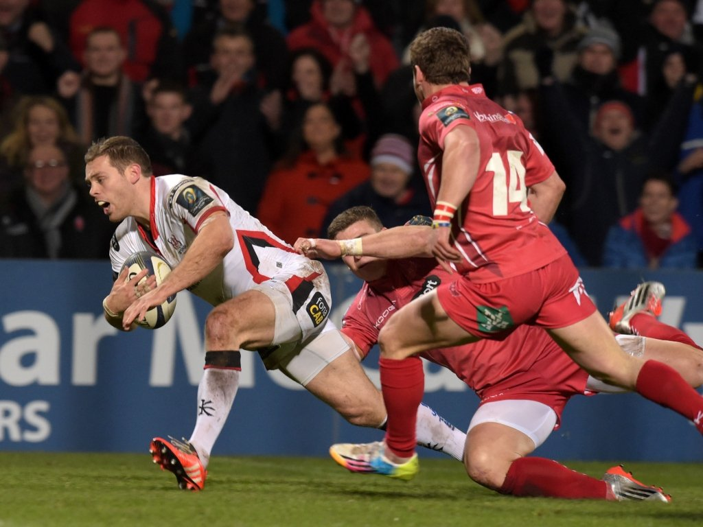 Darren Cave was the man of the match after playing a hand in three tries, scoring the first
