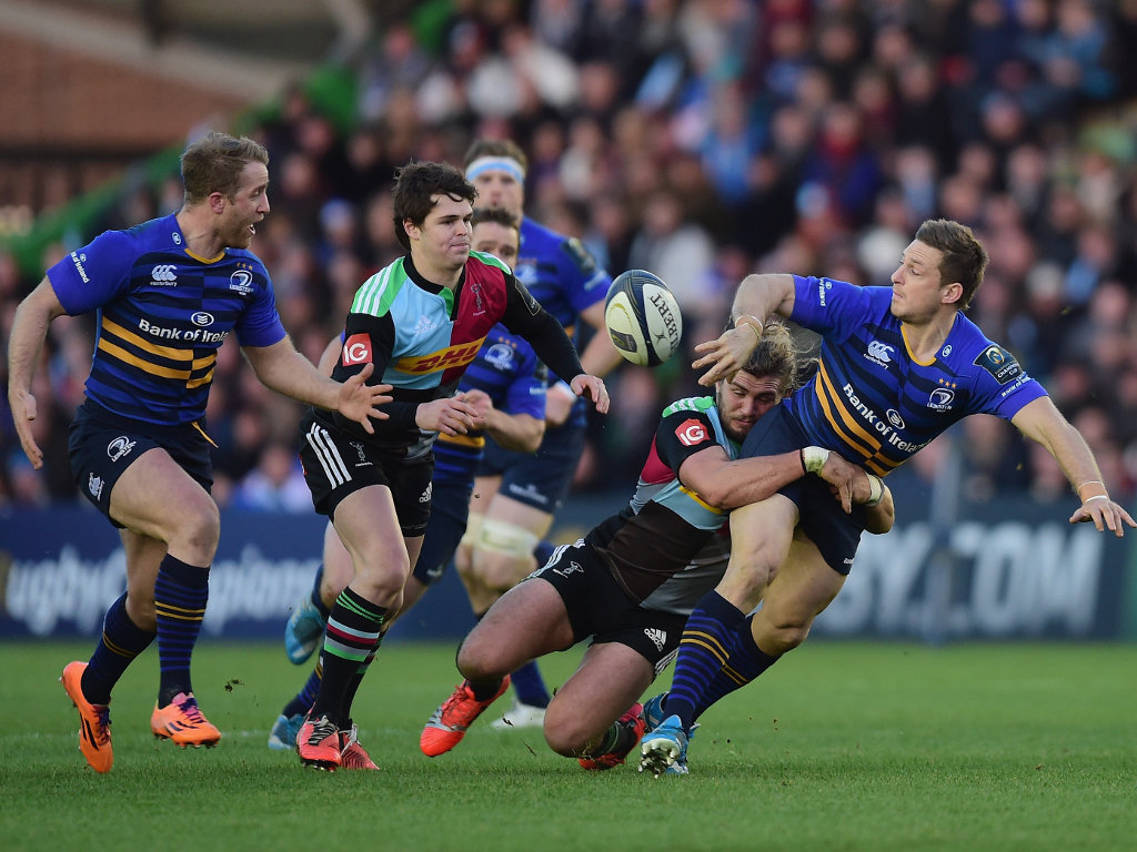 Jimmy Gopperth offloads at The Stoop