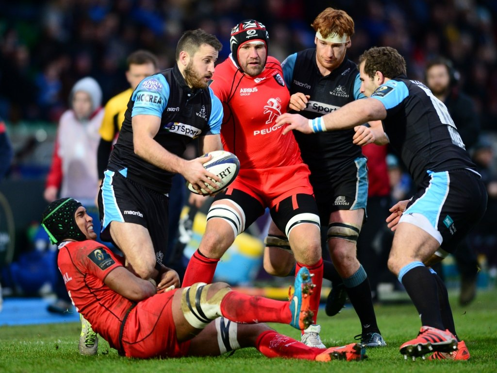 Tommy Seymour is tackled by Thierry Dusautoir as Glasgow struggled to find a way through