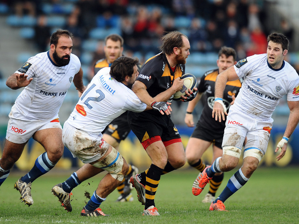 Wasps pivot Andy Goode runs into traffic