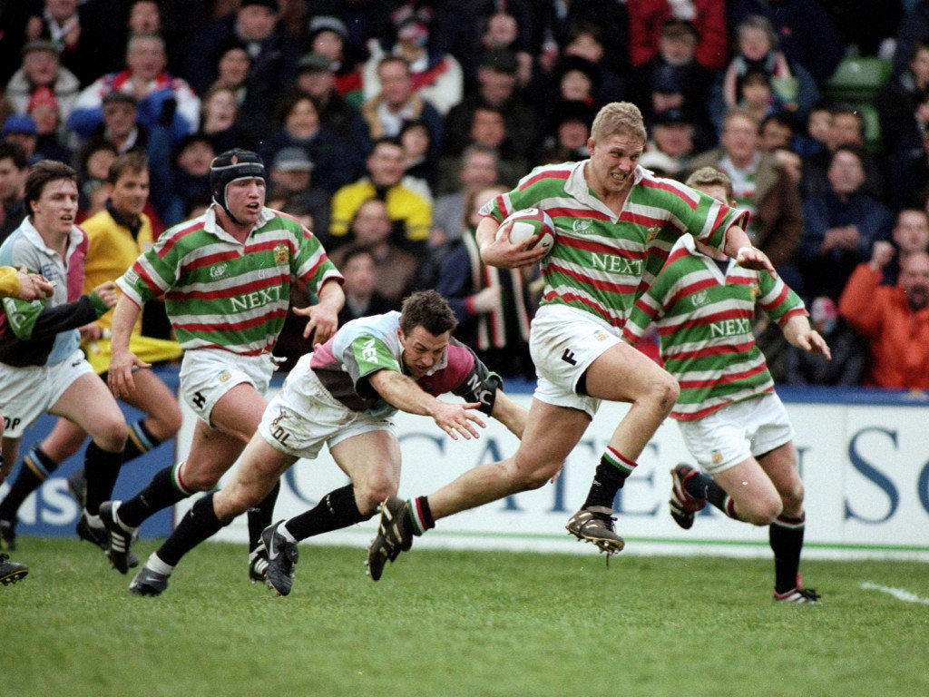 1999 Lewis Moody of Leicester evades Dan Luger of Harlequins