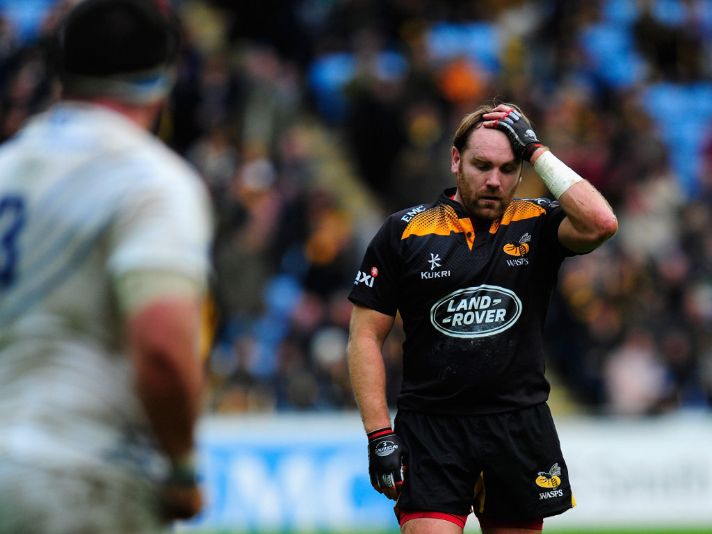 Late drop-goal miss: Wasps fly-half Andy Goode