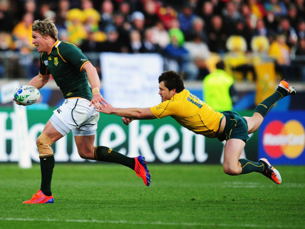 Jean de Villiers: Gets through the defence, makes a mess of the final pass