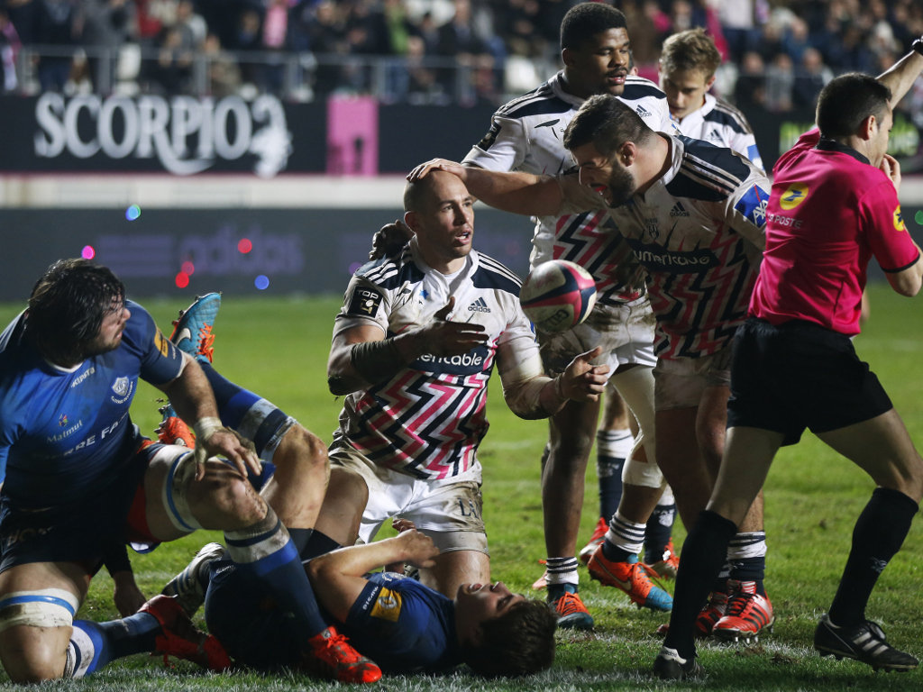 Sergio Parisse is congratulated by Rabah Slimani after scoring his second try