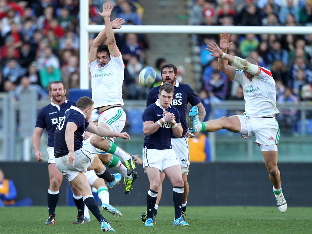 Duncan Weir secures Scotland a 21-20 win over Italy with a drop goal in the final minute