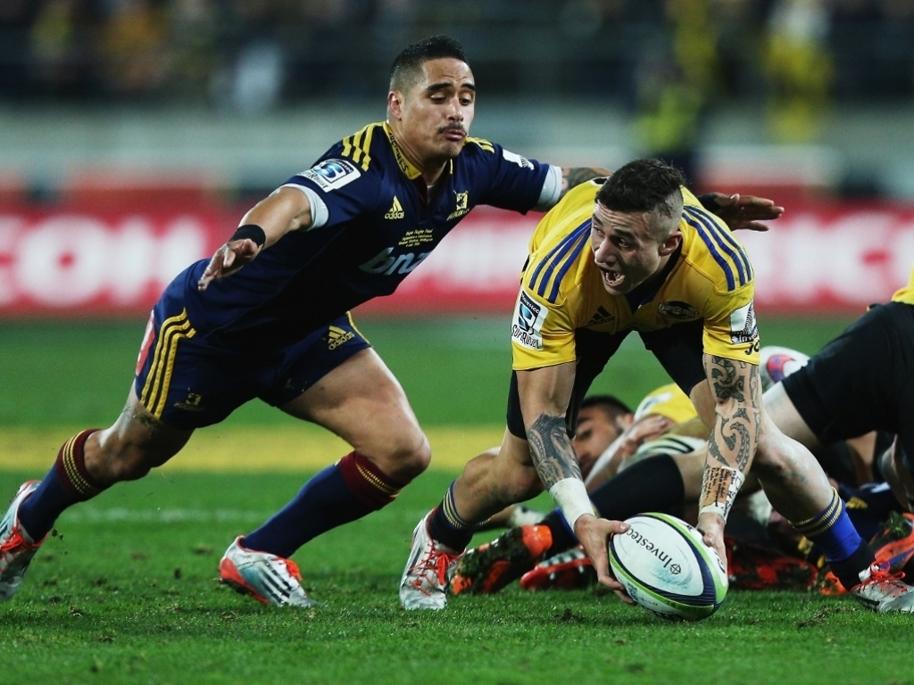 Scrum-half battle: TJ Perenara v Aaron Smith